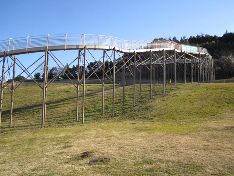 おだわら諏訪の原公園のロングスライダー