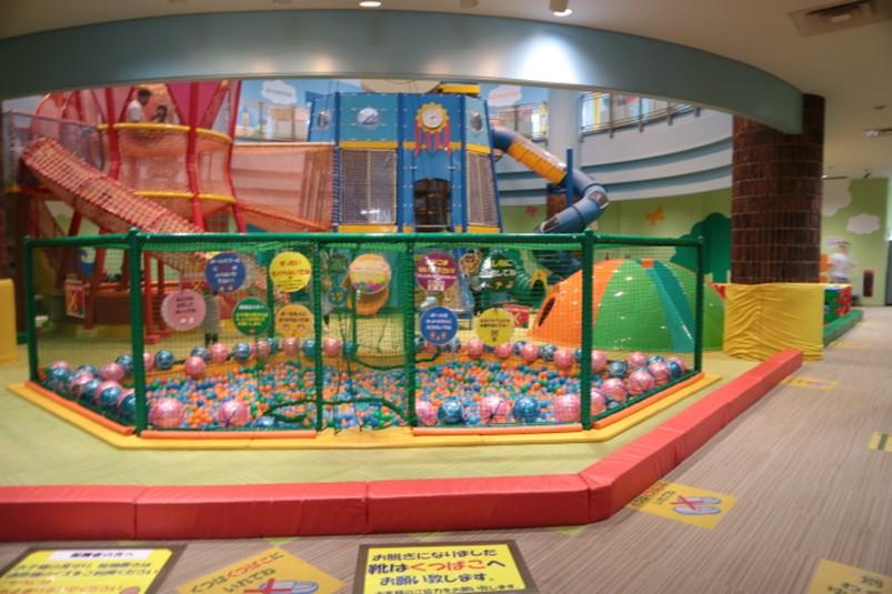 栃木県壬生町おもちゃ博物館内の大型遊具