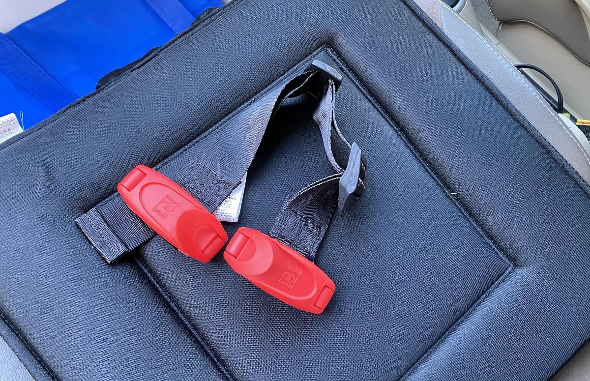 ワンオペ二人目育児の必需品 車でのお出かけ チャイルドシート 簡易型チャイルドシート 携帯型幼児用シートベルト スマートキッズベルト