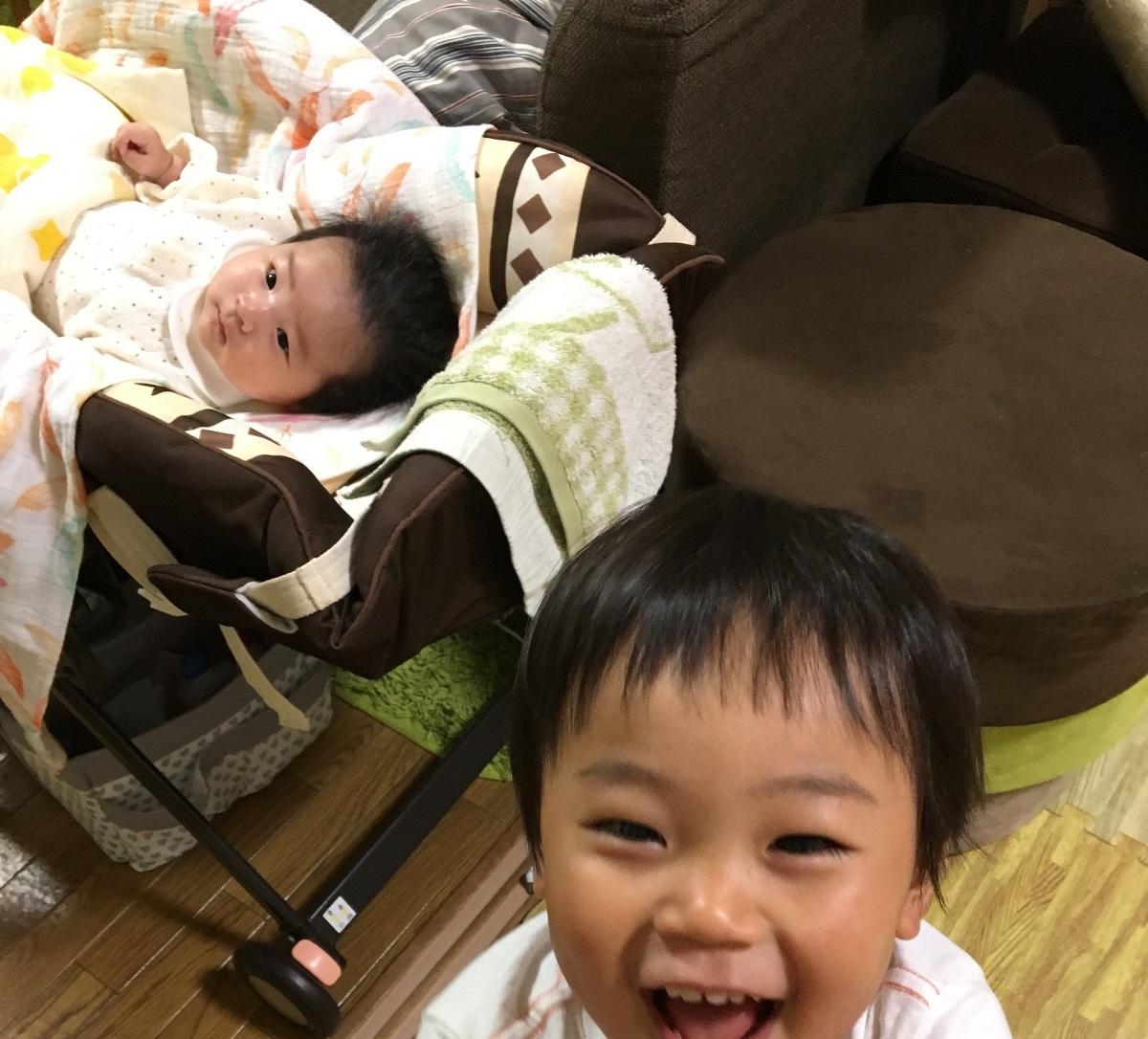 ワンオペ二人目育児の必需品 あると便利な育児グッズ リビング ハイローチェア ハイローラック コンビ