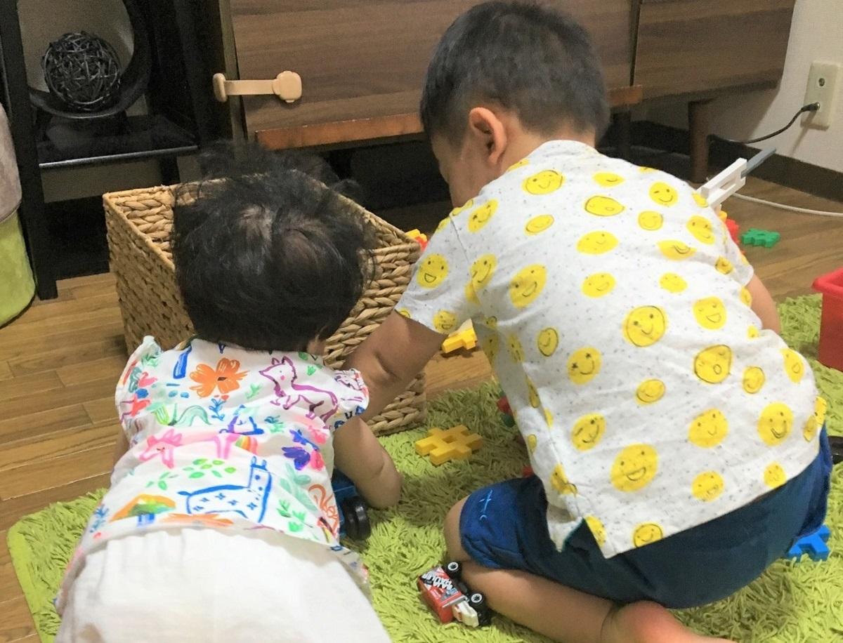 ワンオペ二人目育児の必需品 あると便利な育児グッズ リビング 2歳差育児 2歳0歳