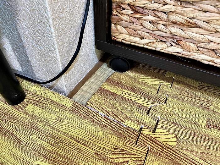 ジョイントマット下の掃除 隙間を埋めたい キッズラインの家事代行で家の掃除を頼んでみた